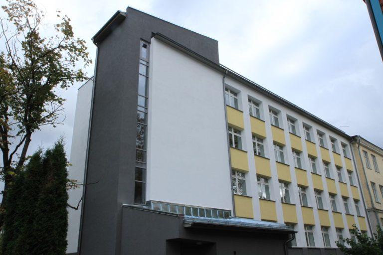 TARTU KARLOVA KOOL